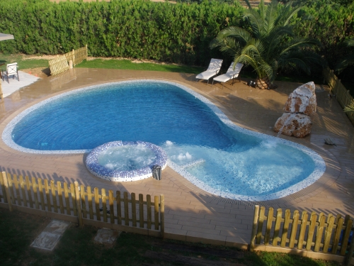 9 piscinas para no ir a la playa blog de rentalia for Piscinas naturales begur