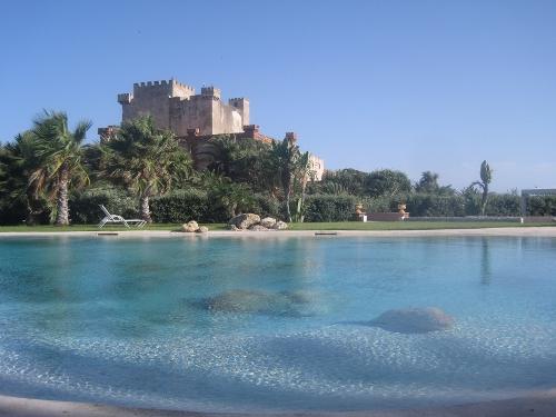 9 piscinas para no ir a la playa blog de rentalia - Villa italia piscina ...