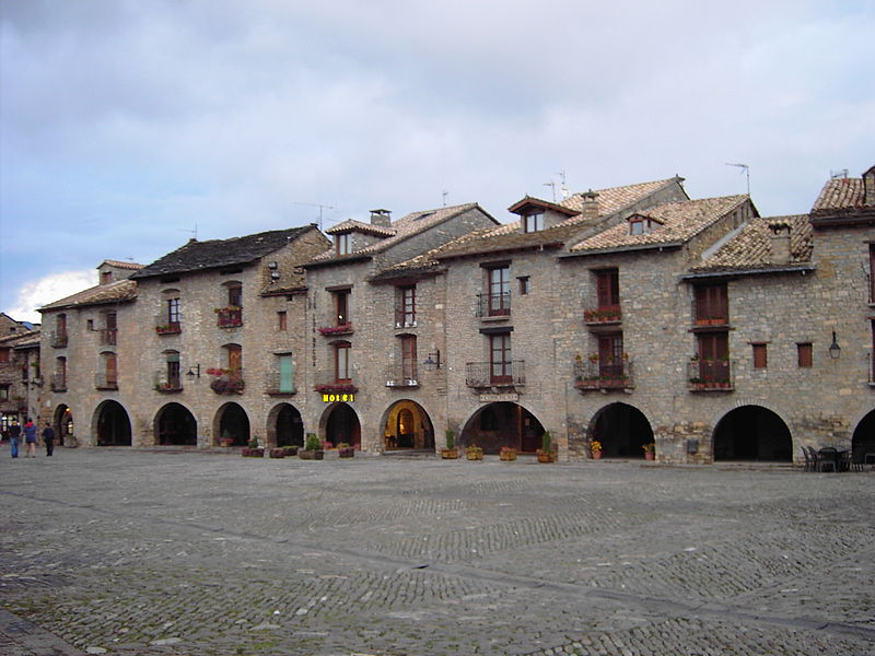 Plaza Mayor de Ainsa